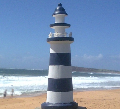 Blue-White_WideStripe_Lighthouse