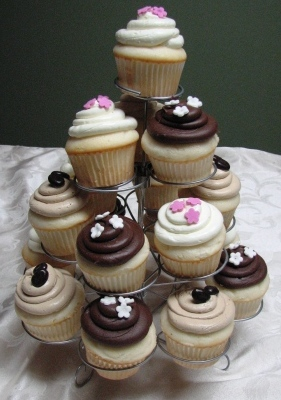 Copy of small cupcake stand 027
