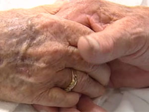 elderly_hands_2