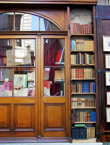 geneva-bookshop-by-ferlosio