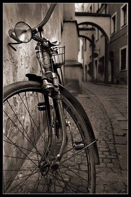 old_bicycle_2_by_danielvojtech